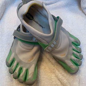 Shoes - Vibram  FiveFingers Bikila woman's